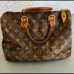 Luis Vuitton Speedy 30 hand bag